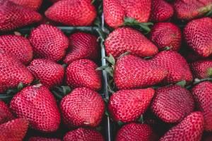 strawberries-1326148_1920