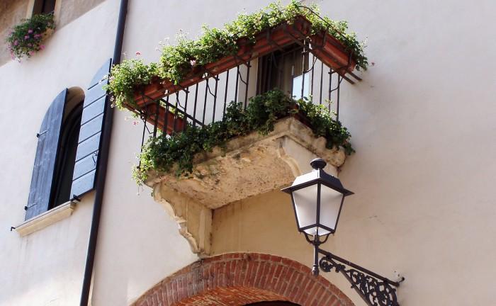 Una serra fai-da-te sul balcone o sul terrazzo | Blog Green Service